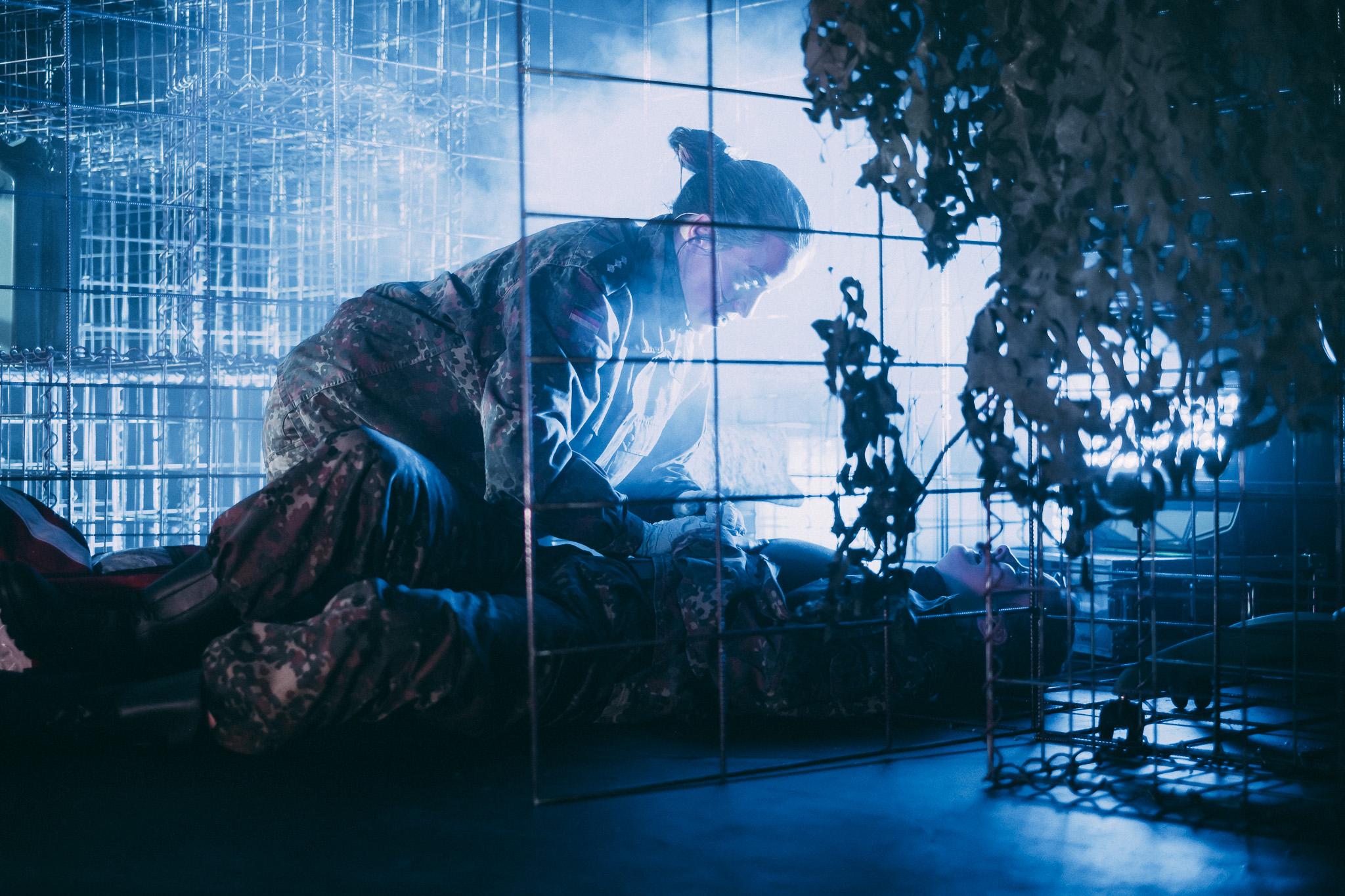 """""""Zombie Inferno"""" 2020, Bühne und Kostüme von Mara Lena Schönborn, Foto: Nico Moser"""