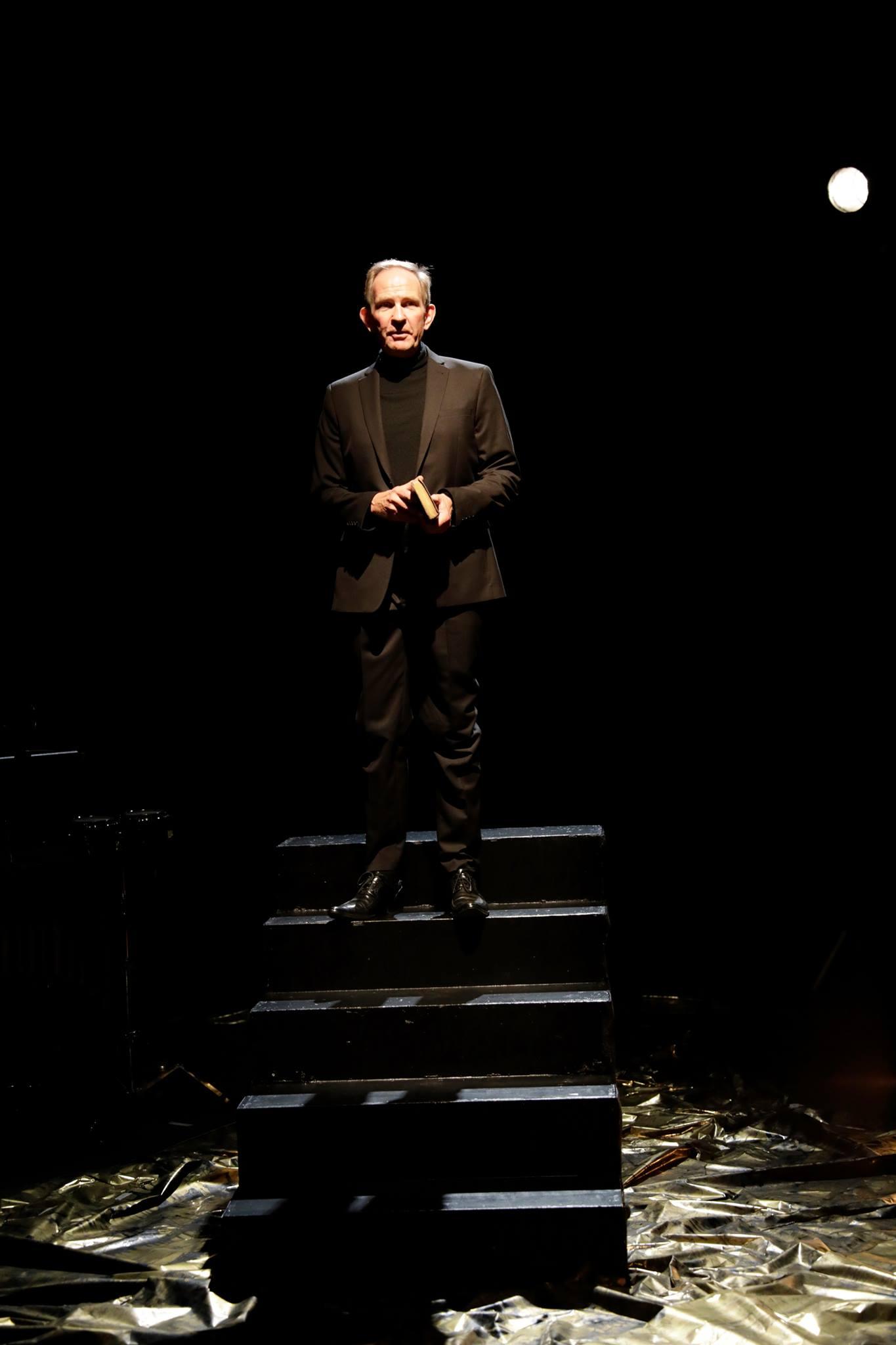 """""""Ijob"""" 2017, Bühnenbild von Mara Lena Schönborn, Foto: Paul Leclaire"""